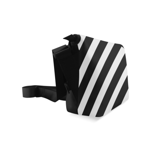 Black And White Stripes Cool Design Crossbody Bag/Large (Model 1631)