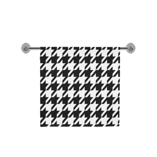 "black and white houndstooth classic pattern Bath Towel 30""x56"""