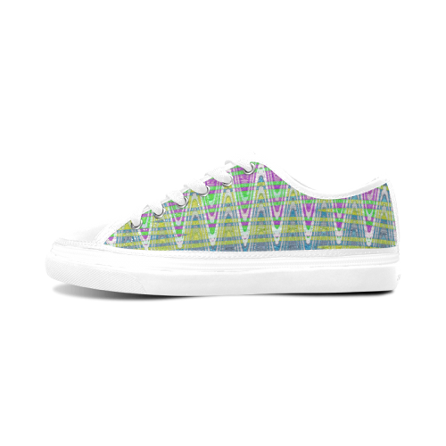 Colorful Waves Women's Nonslip Canvas Shoes (Model 001)