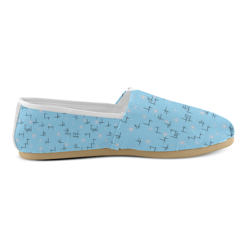 Abstract Lines and Pink Retro Stars on Baby Blue Women's Casual Shoes (Model 004)