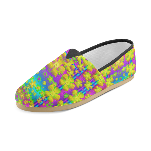 Outside the curtain it is peace florals and love Unisex Casual Shoes (Model 004)