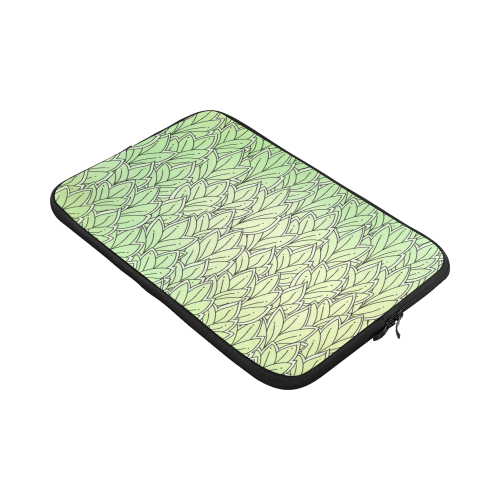 Mandy Green - Leaves Pattern Macbook Pro 17''