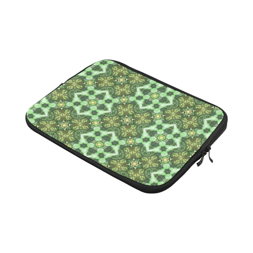 Mandy Green - Forest Garden pattern 2 Macbook Pro 11''