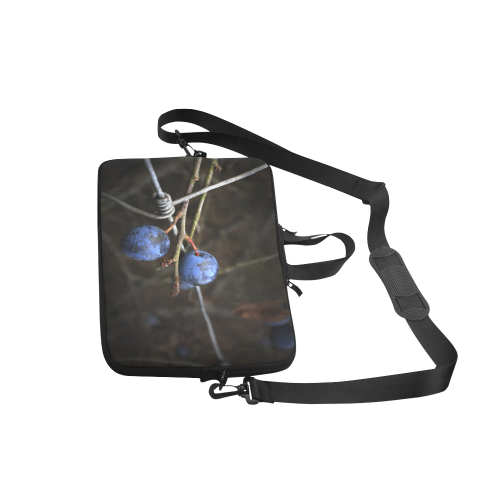 """Blue Berry Wire Fence Summer Nature Laptop Handbags 15"""""""
