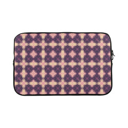 Purple Kaleidoscope Pattern Macbook Pro 17''