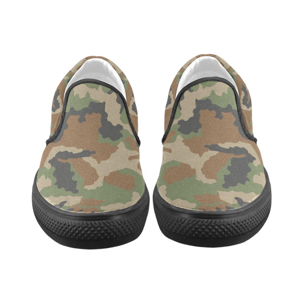 CAMOUFLAGE WOODLAND II Women's Unusual Slip-on Canvas Shoes (Model 019)