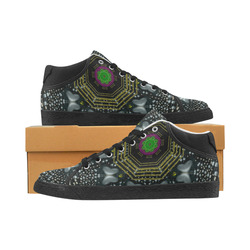 Leaf earth and heart butterflies in the universe Women's Chukka Canvas Shoes (Model 003)